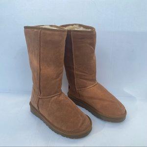 NWOT UGG Australia classic tall boot size 7